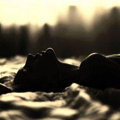 """""""Je n'ai qu'un instant. Je t'envoie l'éternité dans une minute, l'infini dans un mot, tout mon coeur dans : je t'aime."""" Victor Hugo  """"I have only a moment. """"I send you eternity in a minute, the infinite in one word, all my heart in: I love you."""" Victor Hugo  """"Ho solo un momento."""" """"Ti mando l'eternità in un minuto, l'infinito in una parola, tutto il mio cuore in: ti amo."""" Victor Hugo"""
