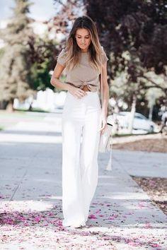 1d832bb433d5 idée comment porter le pantalon palazzo blanc avec top crop noué en beige