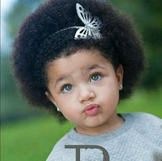 Cutie with afro Beautiful Family, Beautiful Children, Black Is Beautiful, Beautiful Eyes, Beautiful Babies, Beautiful People, Texturizer On Natural Hair, Natural Hair Care, Natural Hair Styles