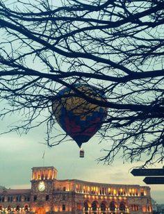Hot air balloon & building