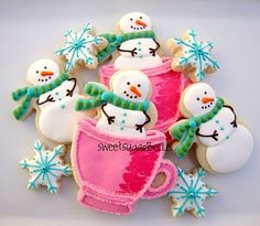 "Darling Snowman Cookies from ""The sweet adventures of SugarBelle"" Sugar cookies Christmas Snow Snowman Cookies, Christmas Sugar Cookies, Christmas Sweets, Noel Christmas, Christmas Goodies, Holiday Cookies, Christmas Baking, Whimsical Christmas, Christmas Cakes"