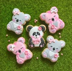 Little panda 🐼 & koalas 🐨 Bear Cookies, Galletas Cookies, Cute Cookies, Cupcake Cookies, Sugar Cookie Frosting, Royal Icing Cookies, Sugar Animal, Biscuits, Panda Cakes