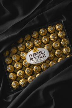 Photo by Eiliv-Sonas Aceron on Unsplash Photo by Eiliv-Sonas Aceron on Unsplash Ferrero Rocher chocolate pack<br> Sweet Recipes, Real Food Recipes, Snack Recipes, Yummy Food, Snacks, Yummy Recipes, Chocolate Pack, Chocolate World, Chocolate Gifts
