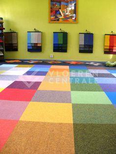 Tertford tapijttegels gelegd in de showroom van VloerenCentrale. Leuk effect voor bijvoorbeeld de kinderkamer!