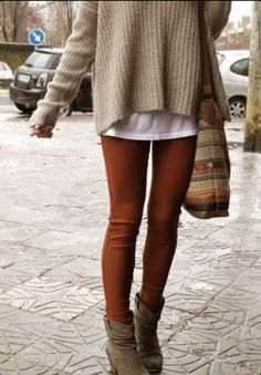 Oversized sweater, layering, love that bag!