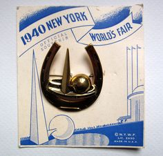 1940 New York World's Fair, souvenir brooch