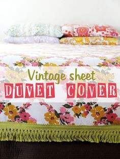 How To: Vintage Sheet Duvet Cover. #vintage #crafts #DIY #bedroom