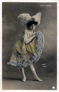 vintage can can crinolines are so fabulous.. this whole costume is amazing - moulin rouge dancer