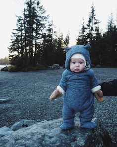 What is cuter than a baby bear? A baby in a bear suit of course! Baby Outfits, Outfits Niños, Little Babies, Little Ones, Cute Babies, Baby Kids, Chubby Babies, Child Baby, Foto Baby
