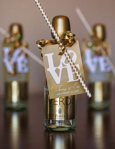21 Awesome Wedding Favors That Are Not Jam! ~ we ♥ this! moncheribridals.com  #edibleweddingfavors  #champagneweddingfavors