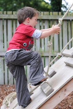 How gross motor development leads to fine motor skills - Let kids play! :)