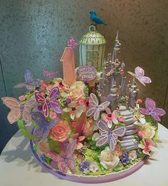 Fantasy Floral Castle by Rosebud Cakes - 26 Year Anniversary Beautiful Cakes, Amazing Cakes, Rosebud Cakes, Sweet Sixteen Dresses, Teen Decor, Butterfly Party, Fantasy Castle, Cake Gallery, Cake Boss