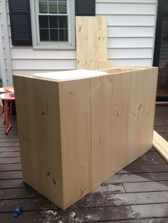 DIY Outdoor Bar with built in cooler Outdoor Patio Bar, Outdoor Kitchen Design, Outdoor Decor, Outdoor Cooler, Outdoor Fun, Diy Home Bar, Diy Bar, Diy Grill, Built In Grill