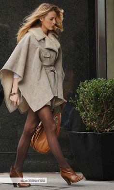 I love Serena's looks. This coat is a personal favourite.