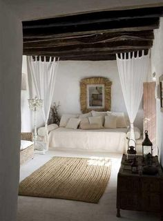 little bedroom, soft colors, light drapes