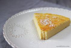 Pokud vám chutnal magic cake , tak tenhle koláč budete milovat. Fakt. K aždé sousto se vám totiž v puse rozplyne jako obláček a zanechá ...