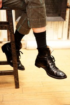 Black leather flat lace up ankle boots / Working footwear / Vintage