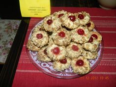 Fursecuri fine cu nuci by aryana Deli, Cookies, Desserts, Food, Sweet Treats, Recipes, Tailgate Desserts, Biscuits, Meal