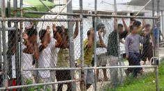 Image copyright                  EPA Image caption                                      Es difícil que se le permita a los medios ingresar a Manus o Nauru.                                Un juez jubilado de Australia se ofreció para intercambiarse con un refugiado y vivir el resto de su vida en uno de los campos de detención en alta mar del país. Jim Macken, de 88 años, dijo que le había escrito al ministro de Inmigración, Peter Dutton