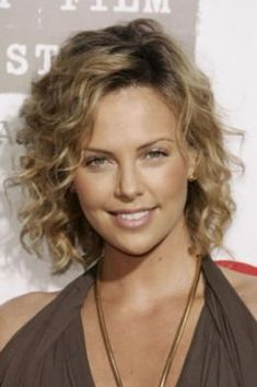 How To Make Fine Curly Hair Look More Polished Charlize Theron