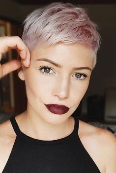 Coolest Short Pixie Cuts and Hairstyles Trends in Trendy hairstyles and colors Women hair colors; Super Short Pixie Cuts, Super Short Hair, Short Pixie Haircuts, Short Hairstyles For Women, Short Hair Cuts, Trendy Hairstyles, Blonde Pixie Hairstyles, Blonde Pixie Haircut, Blonde Pixie Cuts