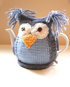 Owl Tea Cosy - CLYDE - in Pure Wool -  by Tafferty Designs - Size MEDIUM - Ready to Ship  (heh, heh...)