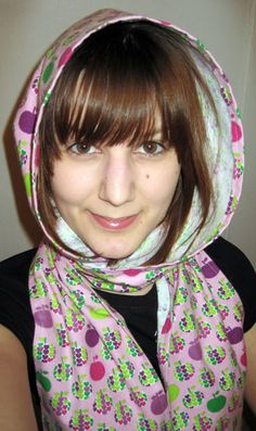 sew a hooded scarf