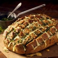 """Three Cheese """"Garlict"""" bread / Dis-Chem - Pharmacists who care Raw Food Recipes, Italian Recipes, Snack Recipes, Cooking Recipes, Snacks, Pain Surprise, Party Food And Drinks, High Tea, Diy Food"""