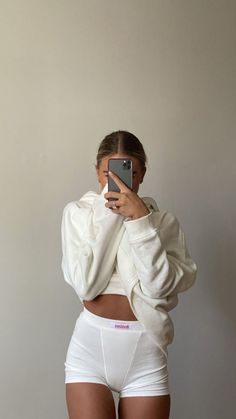 Cute Comfy Outfits, Lazy Outfits, Fashion Outfits, Fashion Tips, Ski Fashion, Style Fashion, Mode Streetwear, Paris Mode, White Aesthetic