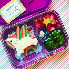 Learn more about the Yumbox Classic lunchbox Kids Packed Lunch, Kids Lunch For School, School Lunches, Bento Box Lunch, Lunch Snacks, Bento Kids, Box Lunches, Easy Toddler Lunches, Toddler Food