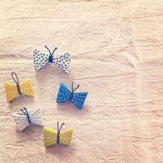 可憐に舞うチョウチョをモチーフにした、あたたかみ感じる手作りのコモノタチをご紹介♪ | ギャザリー Ceramic Necklace, Ceramic Jewelry, Cute Little Things, Clay Flowers, Craft Work, Clay Art, Needlework, Diy And Crafts, Polymer Clay