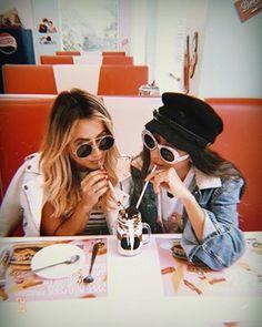 Olha que pra eu dividir um milkshake com alguém, só eu gostando muito mesmo @micheli_fernandes