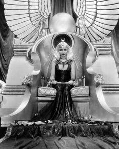 Claudette Colbert em Cleópatra