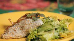 """Panqueca/ """"tapioca"""" de inhame com recheio de cogumelos paris e abobrinha."""