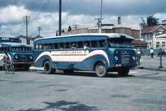 Guyana: Old Georgetown, British Guiana – pictures Bedford Buses, Bedford Van, Old Pictures, Old Photos, Georgetown Guyana, Morris Oxford, British Guiana, Morris Minor, Old Folks