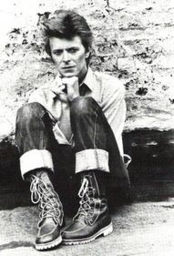 David Bowie sing to me