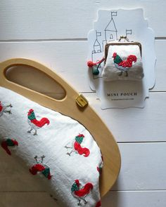Rooster-pouch