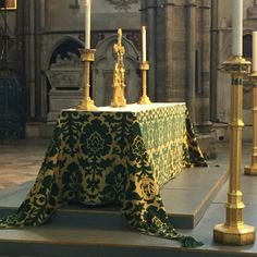 """Westminster Abbey (sneaked this photo). Note the embroidered """"ER II"""" in the lower right."""