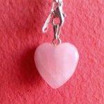 srce od roze kvarca za ljubav