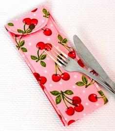 Escolha o tecido no nosso mostruário e faça conjuntinho com a Lunch bag...