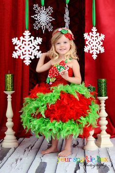 Love this picture! Cute Christmas outfit.