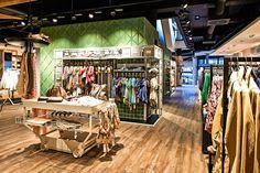Mensing und die Firma Moysig haben für die Inszenierung des neuen Mensing Stores auf klassische Elemente der Region zurückgegriffen.#madebymoysig #Bottrop #Design #Designkonzept #Glück