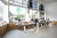 Located in an historic 1921 former auto showroom in Oakland, this flagship location for Blue Bottle Coffee expresses the company's guiding principals through...