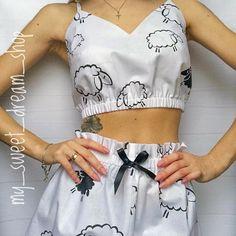 Source by catrincortes lingerie Cute Sleepwear, Sleepwear Women, Lingerie Sleepwear, Fashion Sewing, Diy Fashion, Ideias Fashion, Fashion Outfits, Cute Pajama Sets, Cute Pajamas
