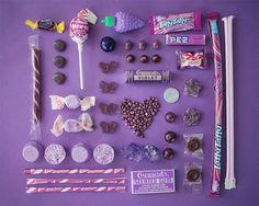 EMILY BLINCOE: scatti di caramelle e fiori ordinati nevroticamente [FOTO]