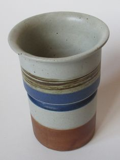 This cylindrical Vase was designed by Inger Persson (°1936) for Knabstrup (Denmark) and was part of the Tundra series.