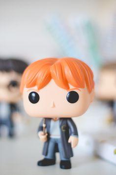 Funko Pop do Ron Weasley da série Harry Potter. Post sobre com detalhes e fotos no blog Serendipity: http://melinasouza.com/2015/08/24/funko-pop-harry-potter-hermione-ron-snape-e-valdemort/