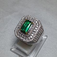 Emerald zamrud gold diamond