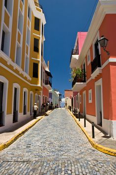 Old San Juan, Puerto Rico *** my dad has some of the coolest pictures of this city. i want to go someday.