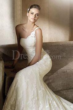 Fascinating One Shoulder Mermaid Lace Wedding Dress